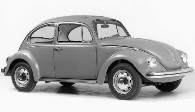 In 1970 the VW 1302 got a new chassis with a much larger trunk and different front-fenders