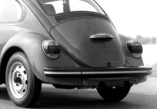 "The 1303 had circular taillights, called ""Elefantenfuss"" (elephant's foot). A cheap Bug (Sparkaefer) without chrome and molding was available too"
